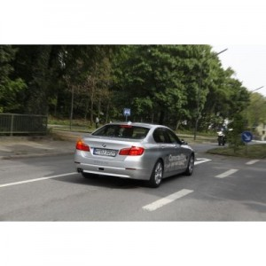 BMW left turn.automotiveIT