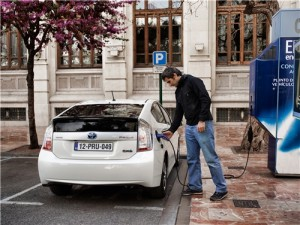 toyota 2012_Prius_Plug-in_Hybrid.automotiveIT