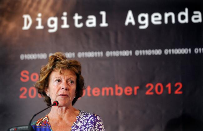 neelie kroes.automotiveIT