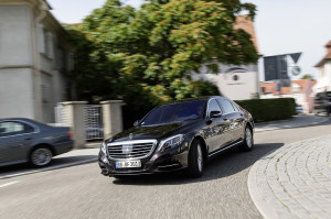 s-class-intelligent-drive-low-300x199