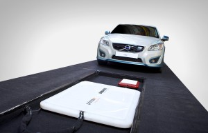volvo-c30-inductive-charge-13-300x193