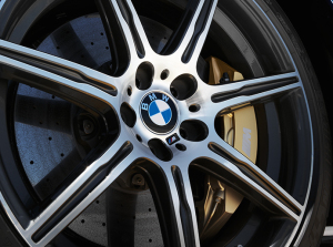 bmw-logo-on-wheel-cropped-300x223