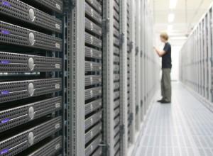 data-center-host-europe-300x220