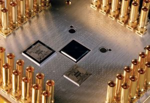 Daimler-joins-forces-with-Google-to-research-the-application-of-quantum-computers-300x207