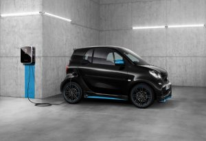 smart-fortwo-charging-cropped-300x205