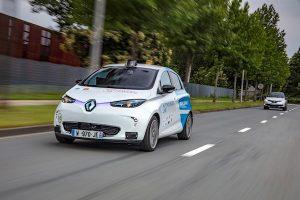 21212482_2018_-_Rouen_Normandy_Autonomous_Lab_Renault_ZOE_robot_taxi_experimentation-300x200