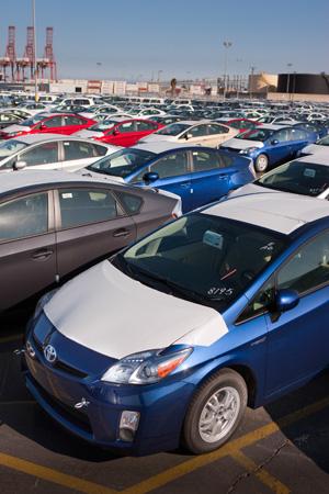 Toyota_Prius_Yard