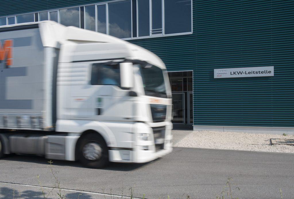 Inbound-truck-1024x693