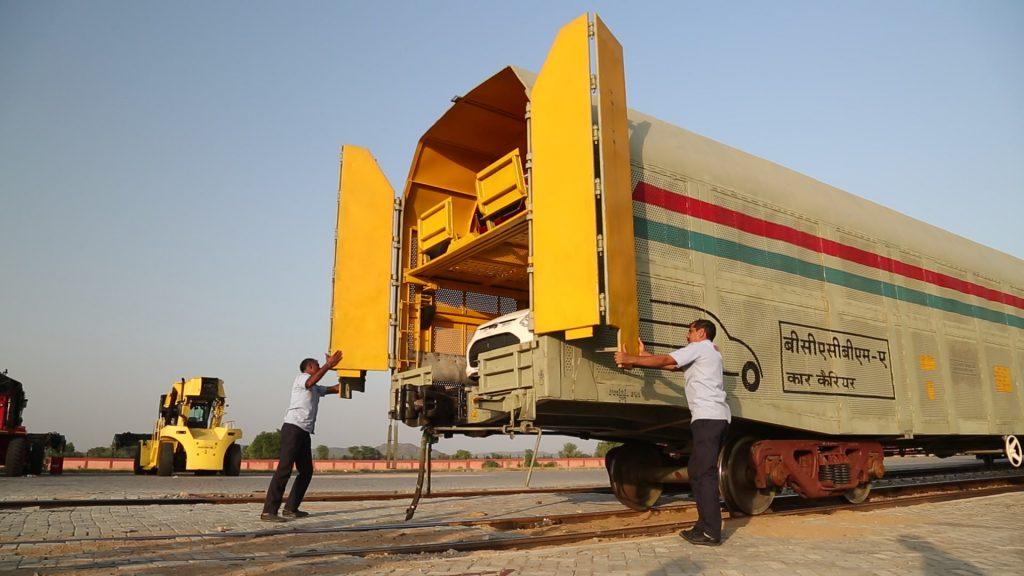 India rail car train