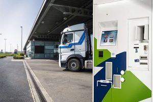 Satellic Toll Terminal parking150914114453