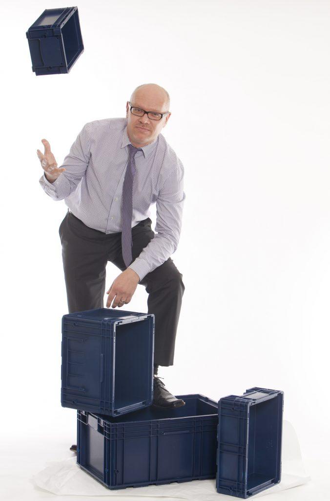Guido box throwing
