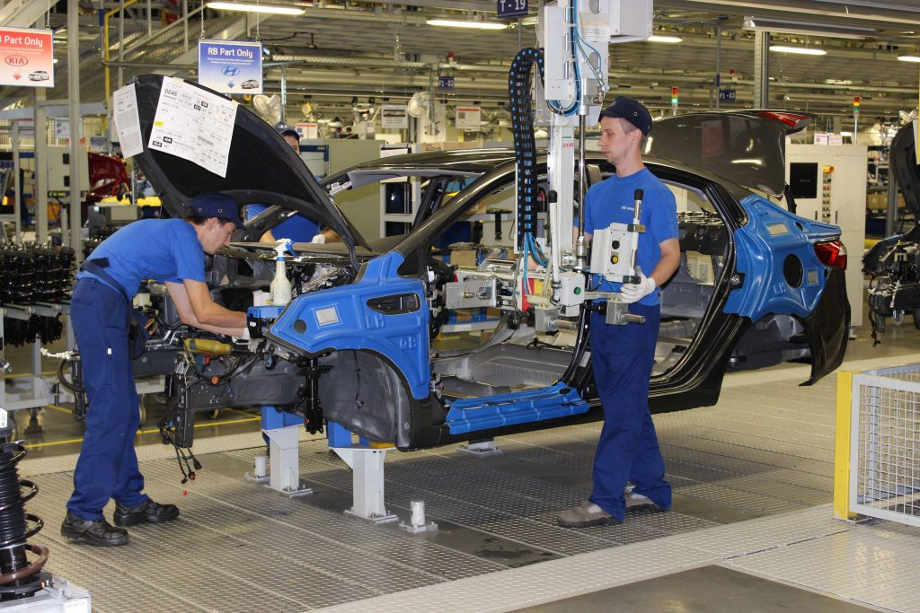Russian-companies-may-get-the-right-to-export-automotive-kits-1024x683