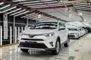 ToyotaRAV4__mid