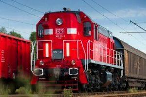 Diesellok der Baureihe TEM 2 von DB Schenker Rail Polen im Güterzugeinsatz