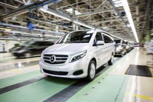 Die neue V-Klasse – Bandablauf, Produktionswerk Vitoria, Spanien ; The new V-Class – finish, production plant Vitoria, Spain;