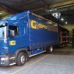 Chargement d'un camion Gefco dans la zone d'expÈdition