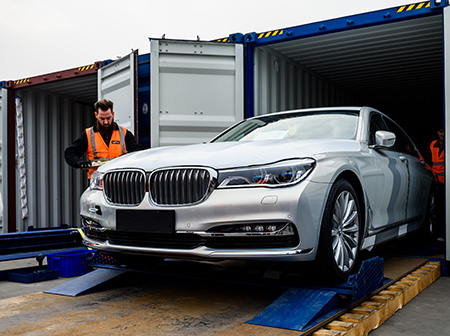 BMW-container-unloded-in-Chongqiong-China