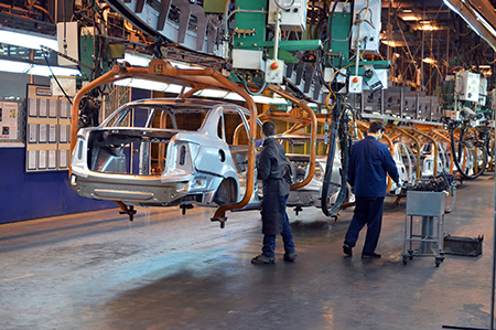 AvtoVaz-was-forced-to-stop-its-plants-several-times-in-recent-years-because-of-the-problems-with-components
