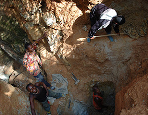 Wolframite mining in Kailo