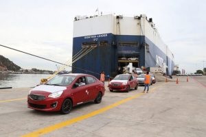 Mitsubishi has delivered its first shipment of Japanese-made vehicles to Mexico through the port of Mazatlán