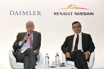 Dieter Zetsche (L) and Carlos Ghosn (R)