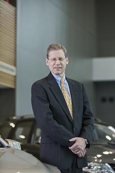 Phil Kienle, vicepresidente de producción de operaciones internacionales de GM (GMIO y GM China)