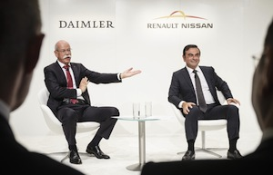 Zetsche (L) and Ghosn (R)