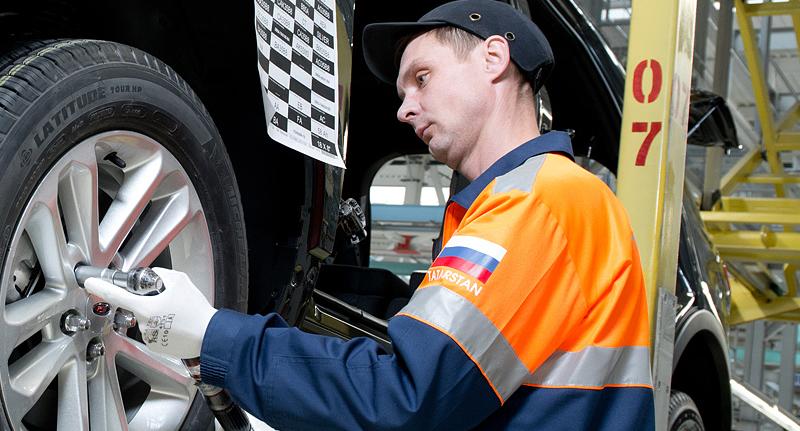El primer Explorer de plena producción abandonó la línea de ensamblado de la planta Ford Sollers Elabuga en la República de Tartaristán para el mercado ruso. (04/11/2013)