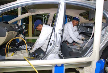 Honda announced that from mid-2017 all its vehicles sold in India would have dual front airbags