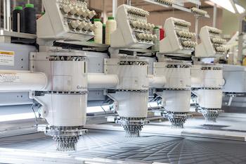 Las nuevas máquinas de confección de Gaydon desarrolladas conjuntamente con el proveedor japonés permiten la alimentación de piezas más grandes
