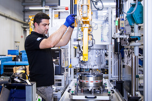 Assembly of electric motors at the ZF location in Schweinfurt