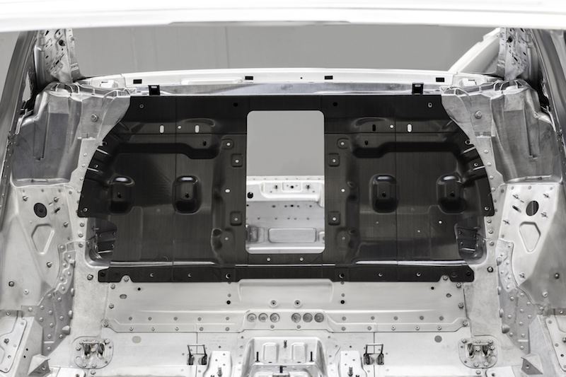 Pared trasera de carbono del próximo Audi A8