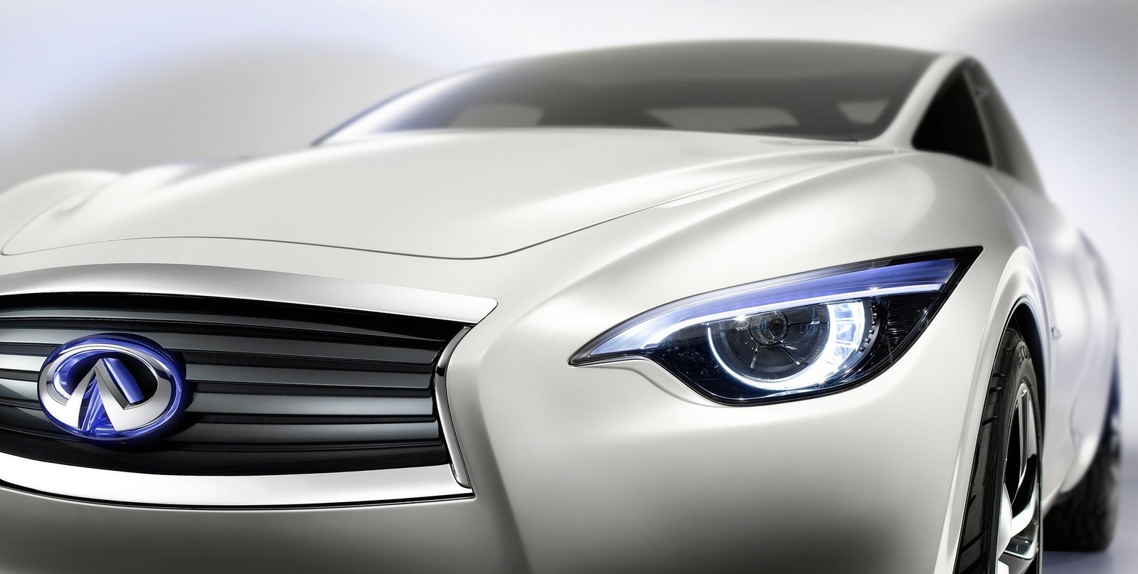 infiniti-etherea-headlight